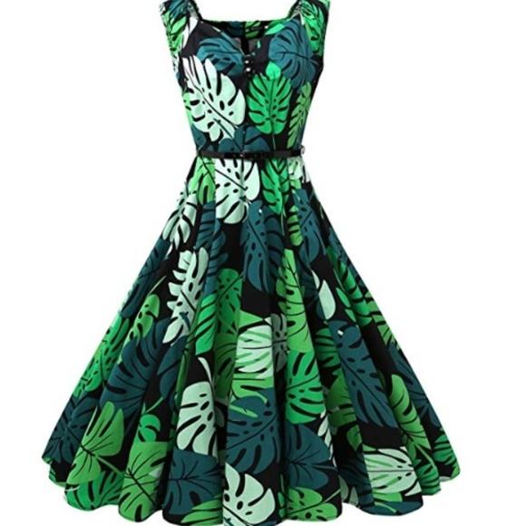 0831ebf1adb Dresses   Skirts - XL Green Cotton Hawaiian palm leaf pinup dress